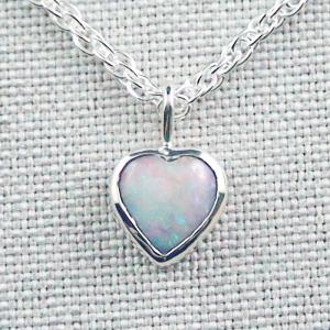 Herz-Opalanhänger 0,81 ct White Opal mit 935er Silberkette