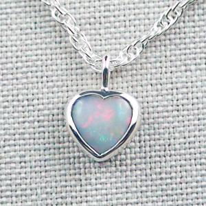Herz-Opalanhänger 0,91 ct White Opal mit 935er Silberkette