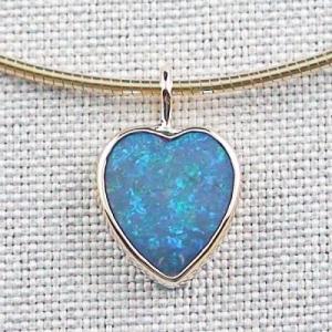 Opalanhänger 1,94 ct Blauer Black Crystal Opal 18k Goldanhänger
