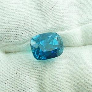 natürlich blauer Zirkon 8,64 ct im Kissenschliff, Edelstein