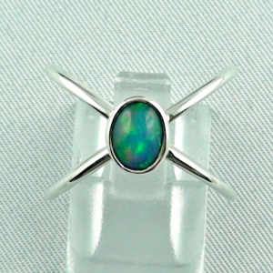 Massiver Silberring mit Welo Opal 0,69 ct Opalring