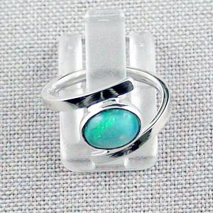 Damenring mit 0,97 ct Welo Opal 935er Opalring Multicolor