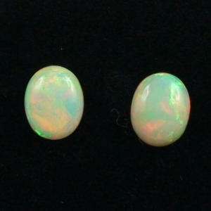 2,08 u. 2,11 ct Welo Opal Set Multicolor Opale