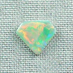 2,25 ct White Opal Multicolor Vollopal Mintabie Australien