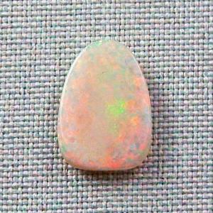 4,81 ct White Opal Edelstein Multicolor Edelstein Mintabie Australien