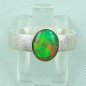 Mobile Preview: 925er Silberring mit 1,07 ct Welo Opal, 14k Goldfassung, Bild1