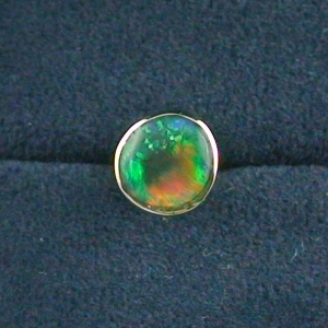 18k Single Herren Ohrring Grüner 0,62 ct Black Crytal Opal