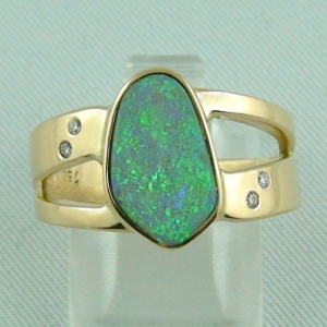 7,24 gr Goldring 18k mit Semi Black Opal und Diamanten