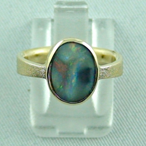 Goldring mit Top Semi Black Opal, Damenring