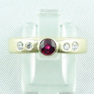 14k Goldring bzw 0,55 ct Rubin-Ring mit Diamanten zus. 0,17 ct