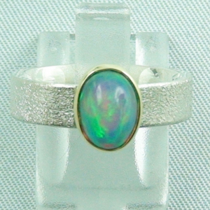 925er Silberring mit 1,48 ct Multicolor Welo Opal ice frosted mattiert mit 14k Goldfassung