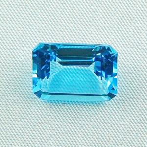 AAA Swiss Blue Blautopas 11,09 ct octagon bar cut - Video & Zertifikat